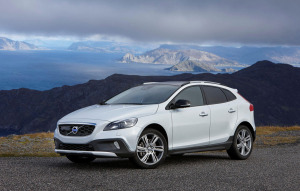 volvo v40 cross country all wheel drive