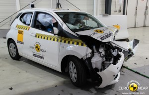 2015 Toyota Aygo EuroNCAP crash test