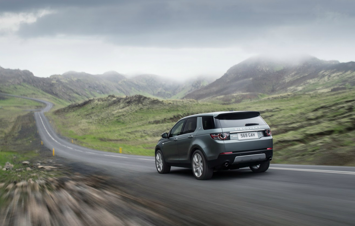 2015 land rover discovery sport details and prices autonews 1. Black Bedroom Furniture Sets. Home Design Ideas